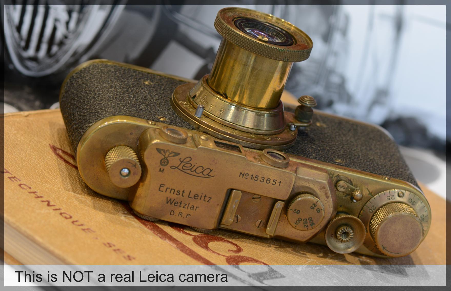 Leica doré mais pas